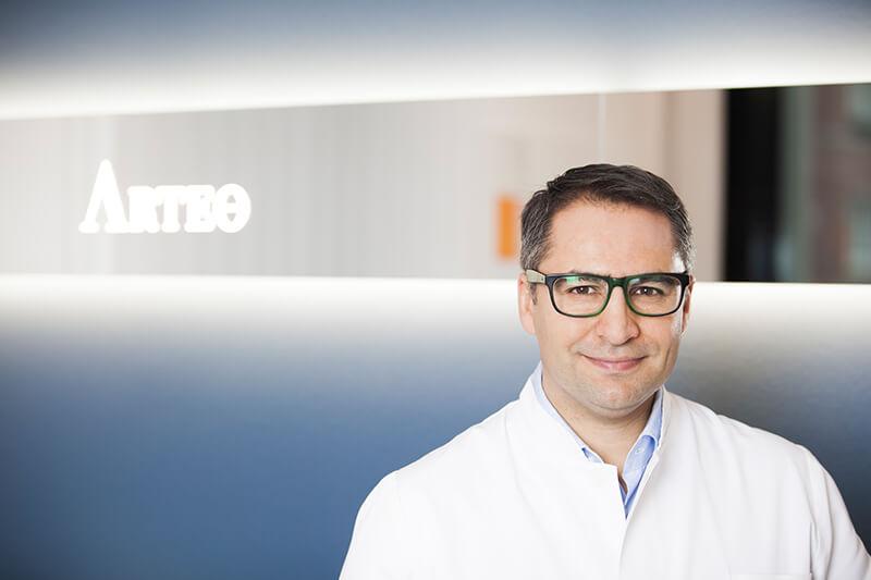 Schönheitschirurg Düsseldorf - Dr. Mehmet Akbas