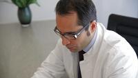 Dr Akbas Facharzt für Schönheitschirurgie
